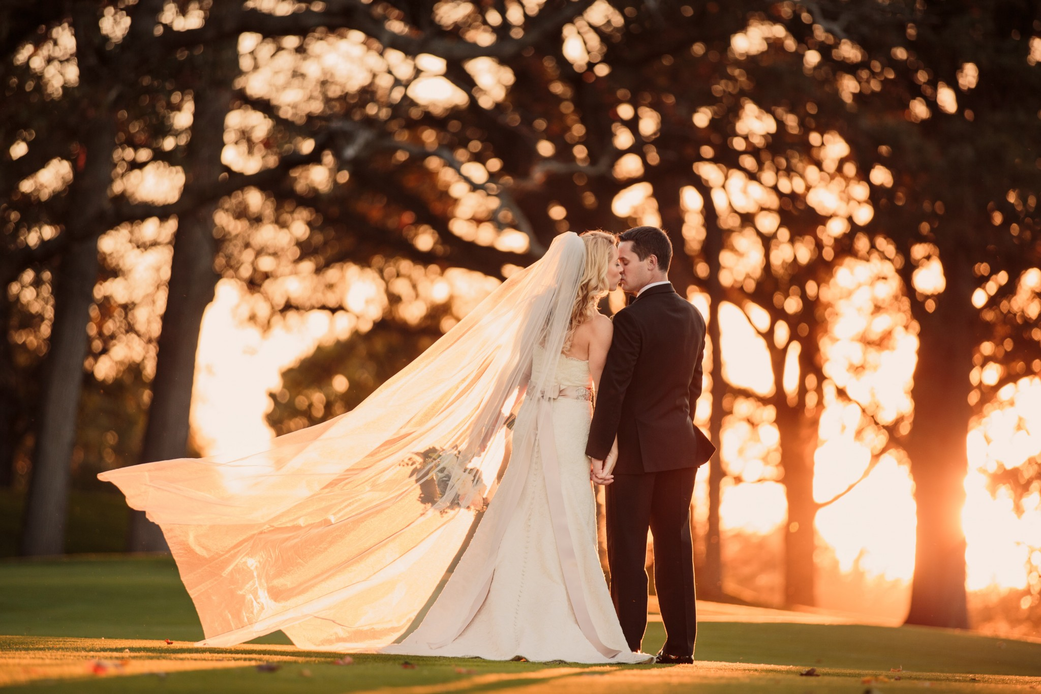 Sun Kissed Bride & Groom at the Oakbrook Golf and Tennis Club
